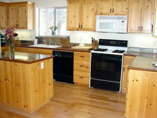 Kitchen Set dari Kayu Jati Belanda